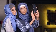 عکس سلفی گرفتن از مدل شال ایرانی