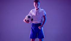 عکس نوجوان فوتبالیست
