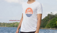 موکاپ لوگو روی تی شرت مردانه