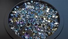 بک گراند ویدیویی الماس های براق  رنگارنگ