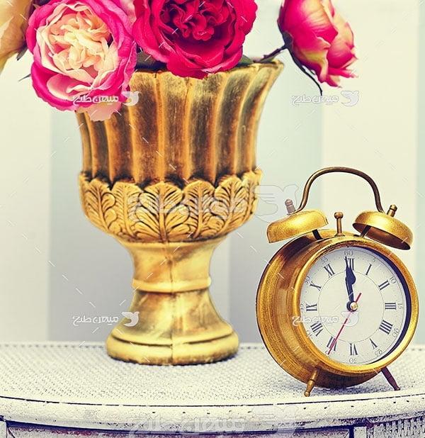 عکس ساعت رومیزی طلایی