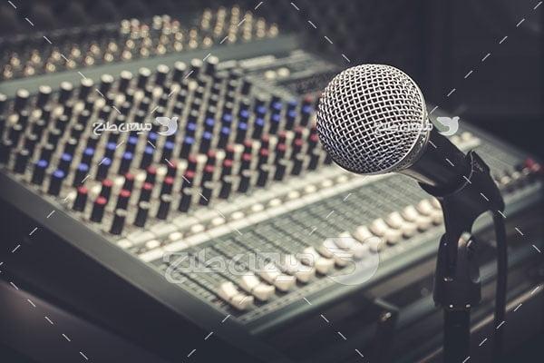 عکس استدیو ضبط صدا