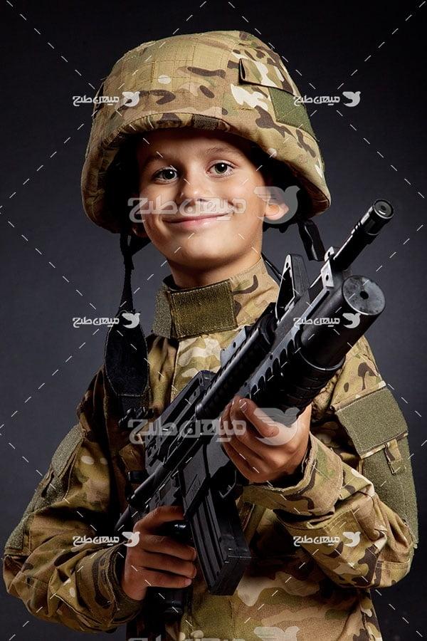 عکس کودک سرباز