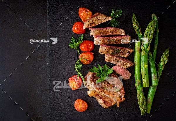 عکس خوراک گوشت و سبزیجات