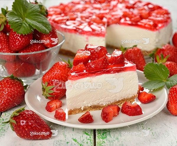 عکس کیک توت فرنگی