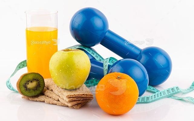 عکس تبلیغاتی ورزش وزنه آبی سبک