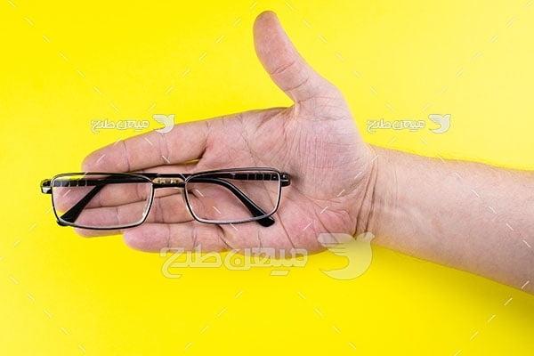 عکس عینک طبی دسته مشکی