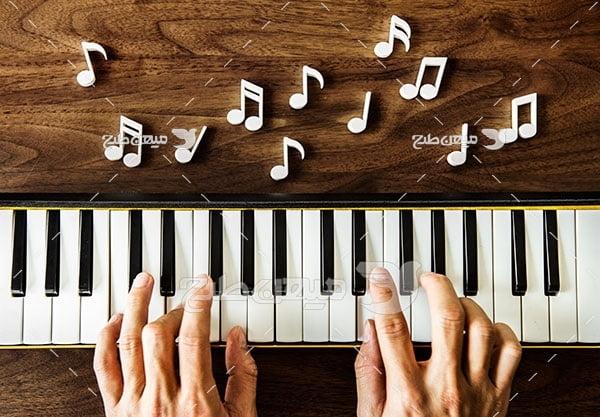 عکس نوازندگی پیانو