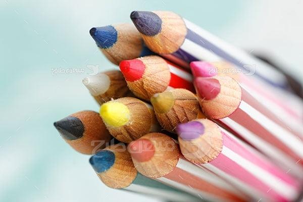 عکس تبلیغاتی هنر مداد رنگی