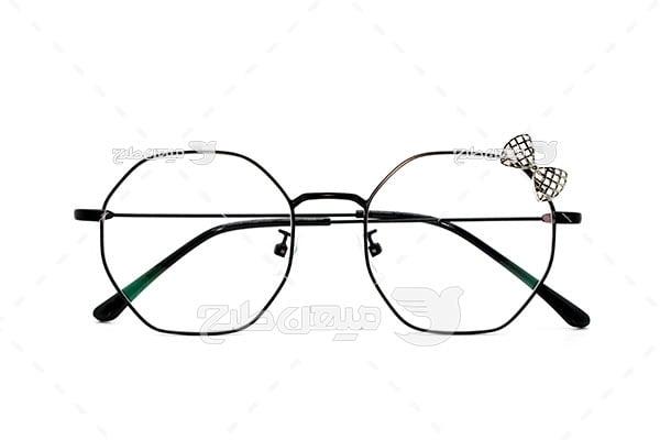 عکس عینک طبی فرم شیشه چند ضلعی