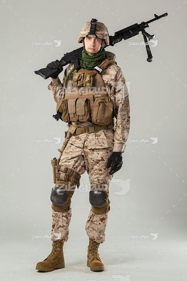 عکس سرباز مسلح ارتشی