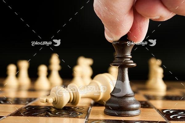 عکس پیروزی مهره سیاه شطرنج