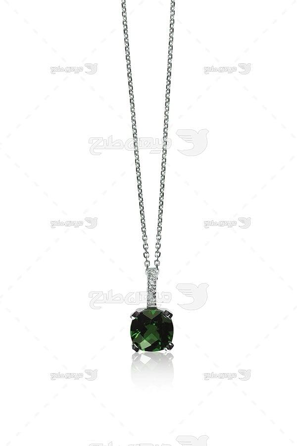 عکس گردنبند نقره با نگین یاقوت سبز