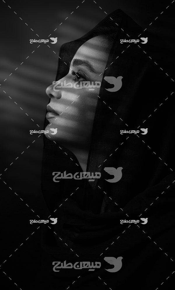 عکس سیاه سفید نیمرخ دختر ایرانی