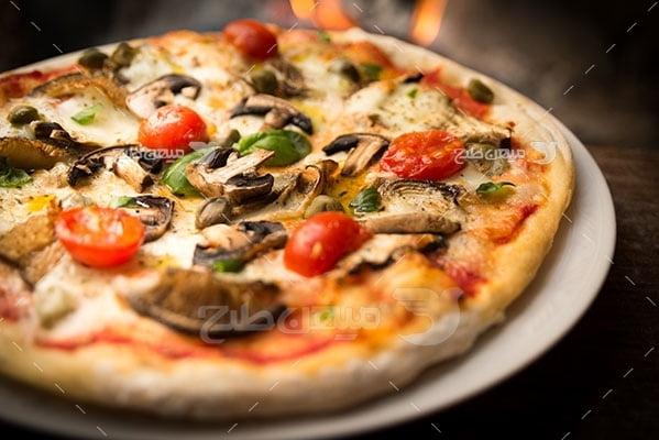 عکس تبلیغاتی غذا پیتزا قارچ