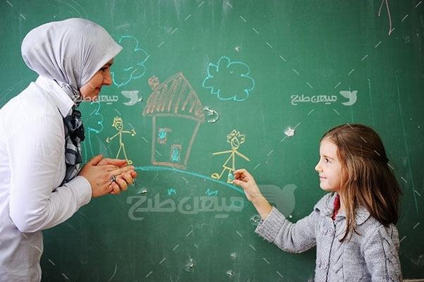 عکس تبلیغاتی حجاب در مدارس