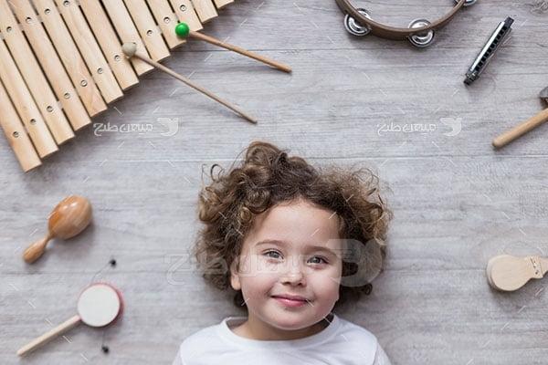 عکس تبلیغاتی موسیقی نوزاد