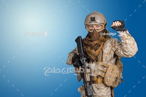 عکس سرباز مسلح نظامی