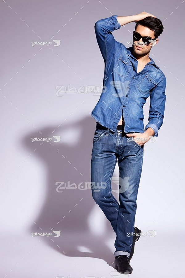 عکس تبلیغاتیست لباس جین