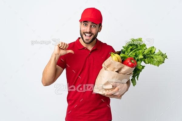 عکس کاراکتر کارگر فروشگاه مواد غذایی