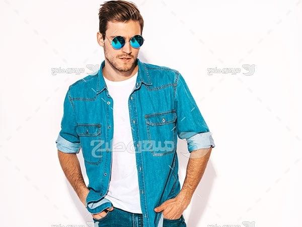 عکس عینک شیشه آبی رنگ