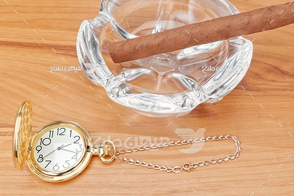 عکس ساعت جیبی طلایی