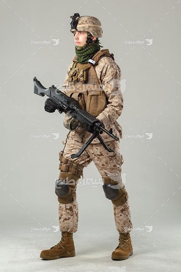 عکس نیروی نظامی مسلح