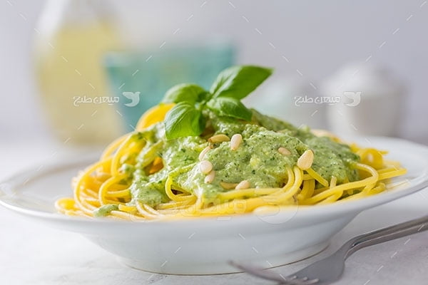 عکس تبلیغاتی غذاماکارونی سبزیجات
