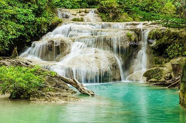 عکس تبلیغاتی طبیعت آبشار تابستانی