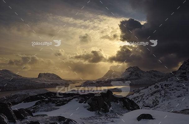 عکس تبلیغاتی طبیعت کوهستانی