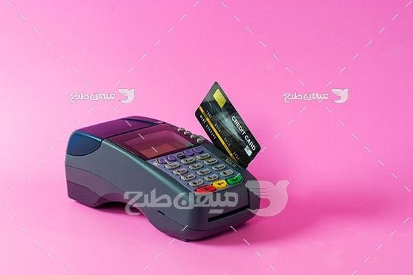 عکس پرداخت با کارت اعتباری