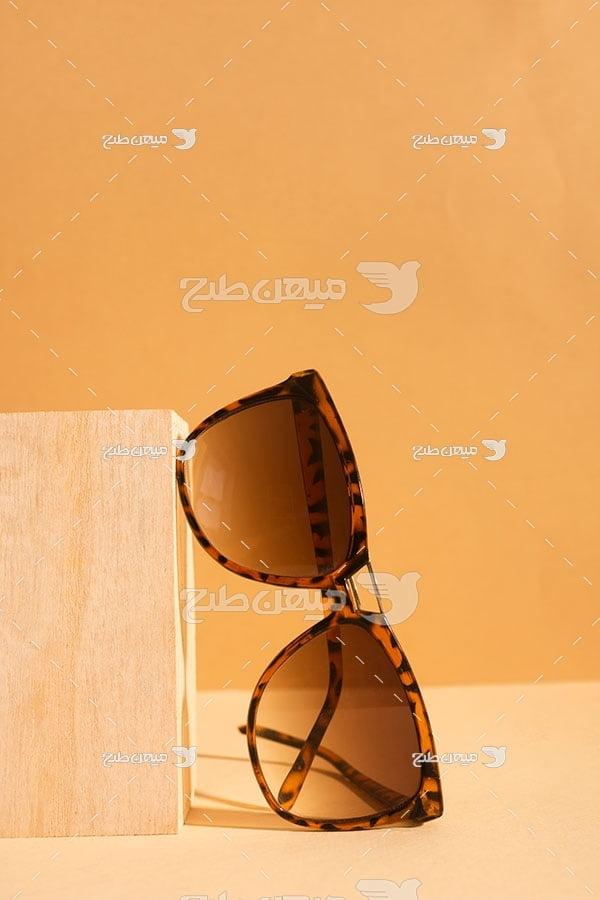 عکس عینک آفتابی شیشه قهوه ای