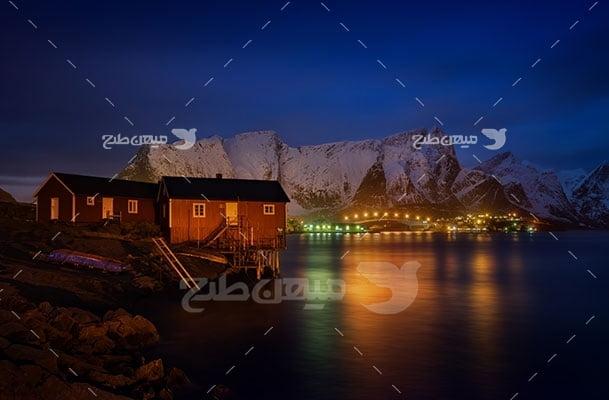 عکس تبلیغاتی طبیعت دریا و روستا