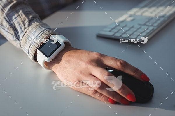 عکس ساعت هوشمند سفید
