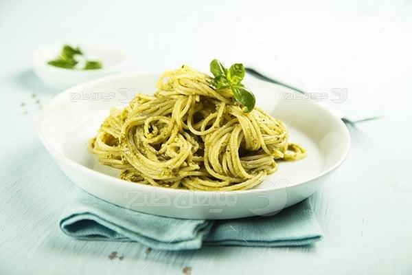 عکس تبلیغاتی غذا و اسپاگتی سبزیجات