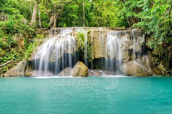 عکس تبلیغاتی طبیعت آبشار جنگل