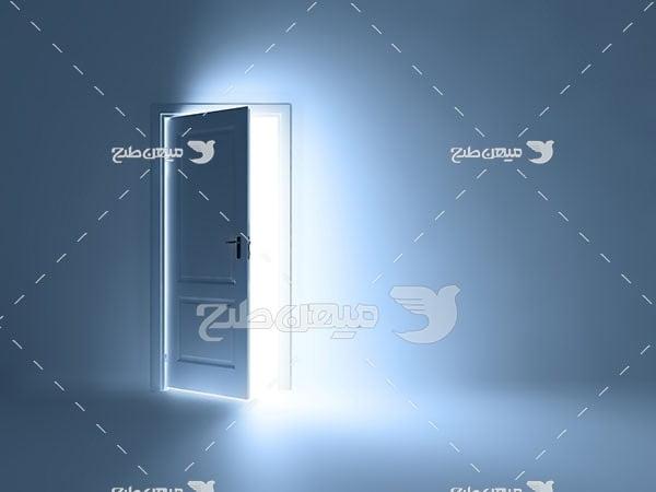 عکس دری به سوی آزادی