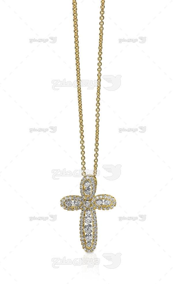 عکس گردنبند زنجیر طلا با نگین طرح سلیب الماس