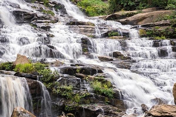 عکس تبلیغاتی طبیعت آبشار