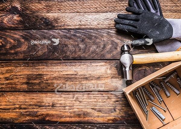 عکس چوب و میخ و چکش