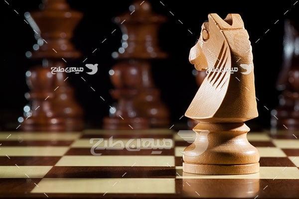 عکس مهره اسب چوبی شطرنج