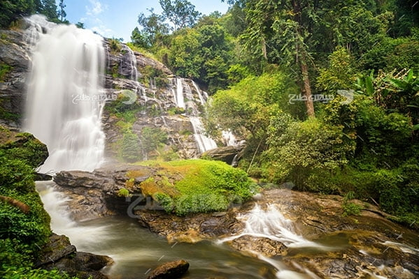 عکس تبلیغاتی طبیعت آبشار زیبا