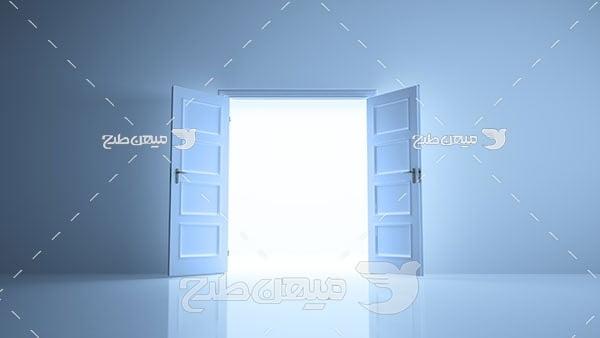 عکس دری به سوی نور