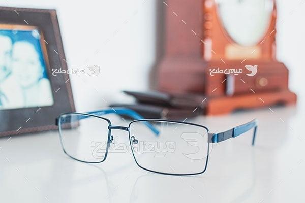 عکس عینک نزدیک بین