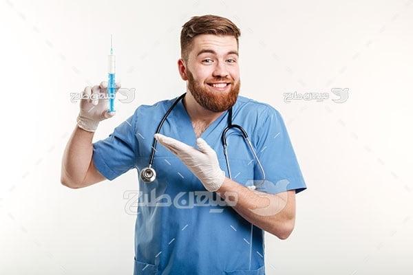 عکس تزریق واکسن کرونا