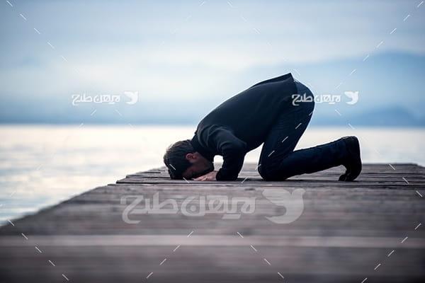 عکس نماز خواندن مسلمان