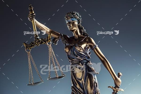 عکس با موضوع وکالت و تندیس عدالت