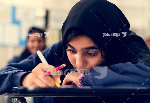 عکس دانش آموز دختر با حجاب