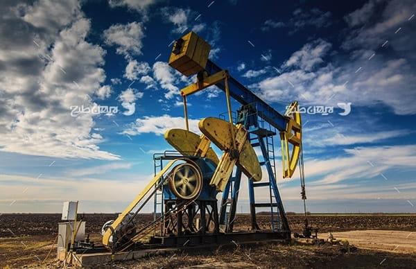 تصویر از چاه برداشت نفت