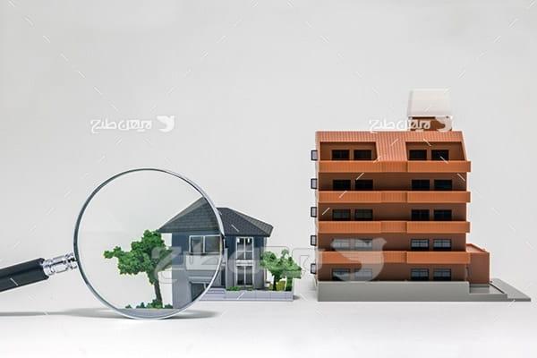 ساختمان و ذره بین